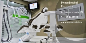 clinica de implantes dentales en barcelona